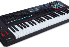 M-Audio CTRL49 – USB/MIDI-контроллер с цветным дисплеем и продвинутым функционалом